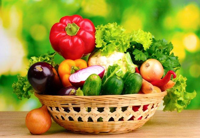 больше свежих овощей и зелени